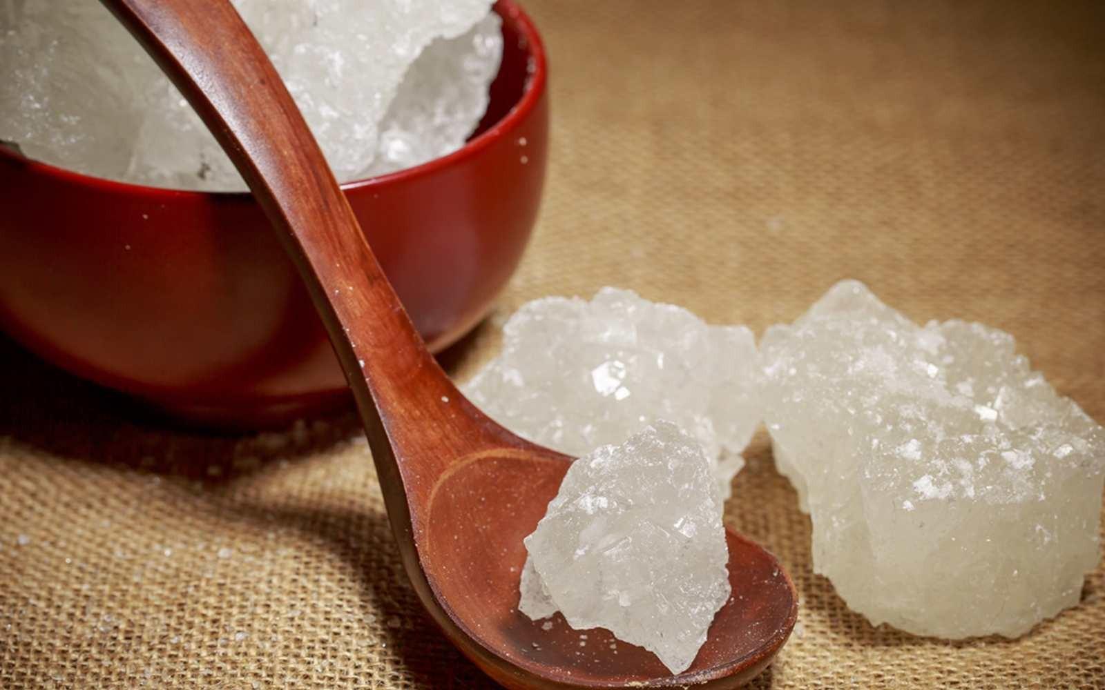 Gula Batu Lebih Baik dari Gula Pasir bagi Diabetesi, Benarkah?