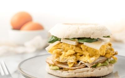 Roti Sandwich Kari Telur